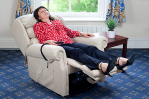 sleeping-relaxing-electric-rise-recliner-chair